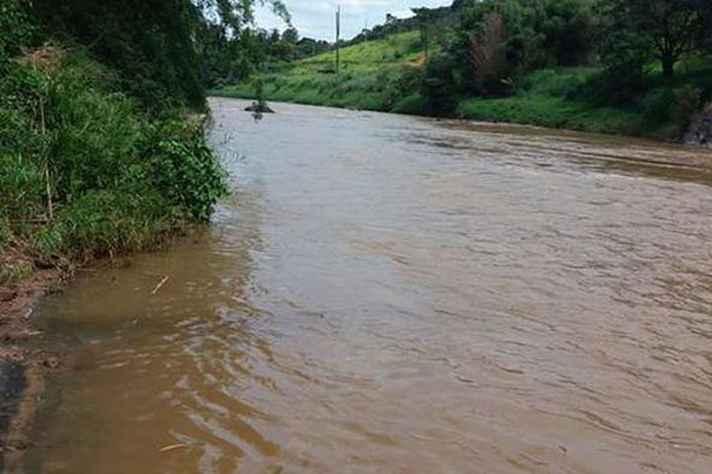 O Rio Paraopeba foi atingido pela lama da barragem de rejeitos que se rompeu em Brumadinho