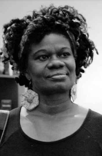 A professora Rosália Diogo foi relatora das Diretrizes Curriculares Municipais para o Ensino da Cultura Africana e Afro-brasileira no Currículo do Sistema Municipal de Educação de Belo Horizonte.