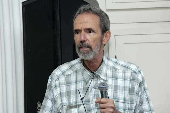 Domingos Sávio abordou as divergências entre as correntes da cosmologia