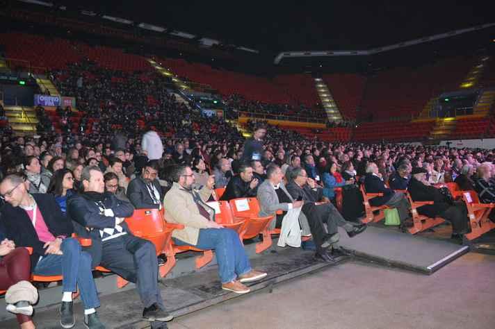Plateia da cerimônia de encerramento: