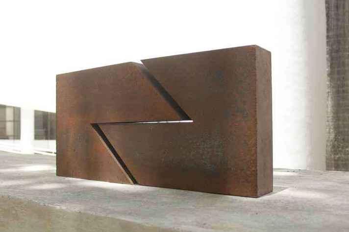 Obras de Amilcar de Castro ocupam galeria a céu aberto batizada em sua homenagem