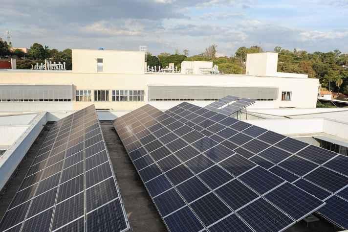 Três usinas fotovoltaicas, como a 'Tesla' da Escola de Engenharia vão gerar 500kWp de potência