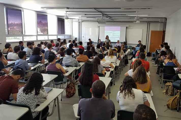 Seminário 'Grandes violações a Direitos Humanos no Brasil: mapeamentos para intervenções'